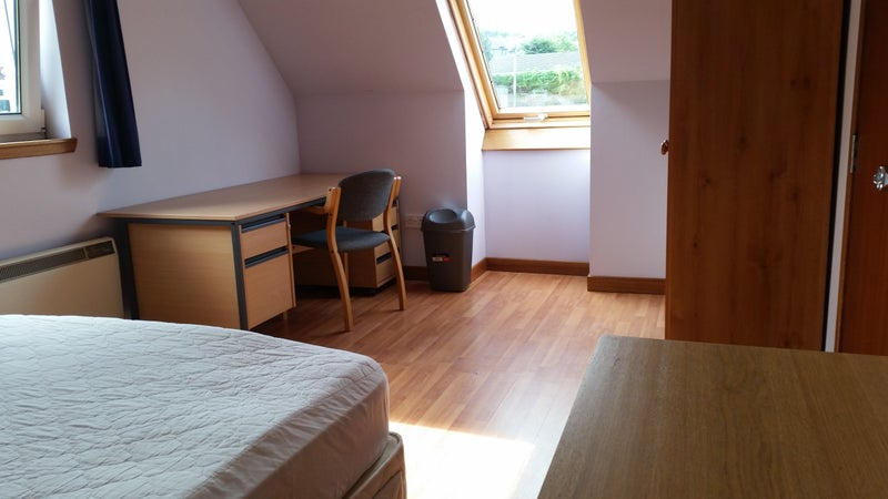 Students rooms in shared house 20 min walk to uni Main Photo