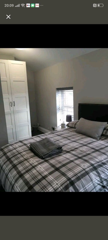 Double and single room available in Shared  House Main Photo