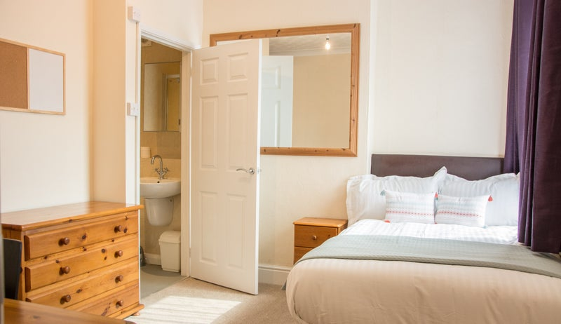 En-suite Double Rooms in Lovely House Share Main Photo