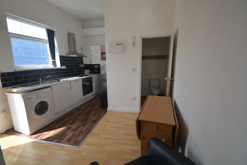 Brand New Flat - Close to the City Centre!!!! Main Photo