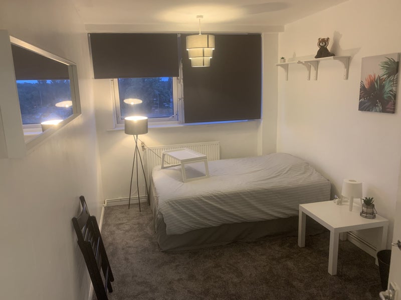 Newly refurbished room to rent in High rise Main Photo
