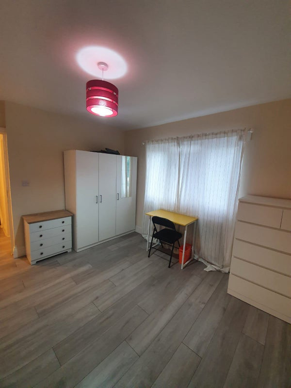 Excellent double Room for Rent  Main Photo