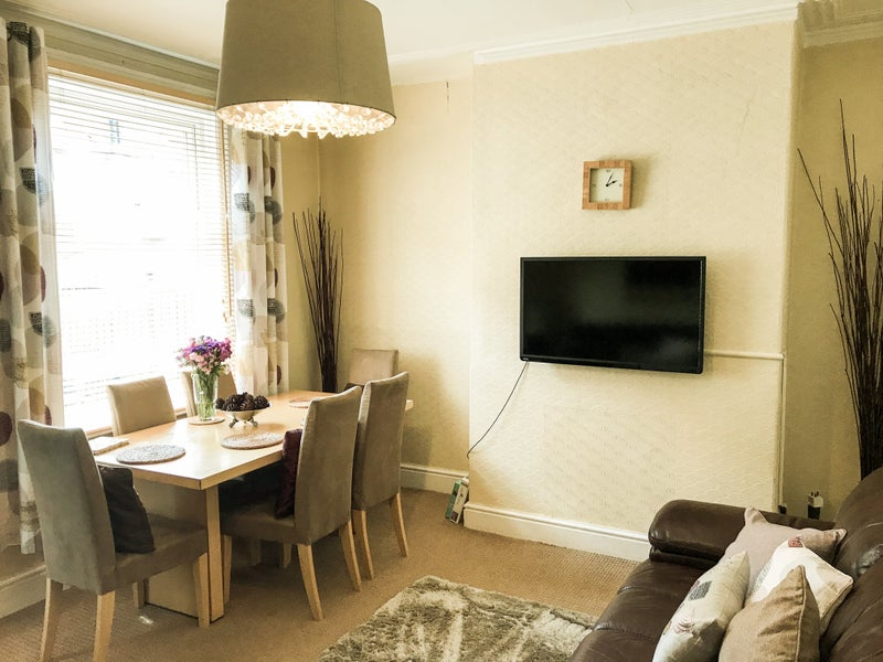 🏡Exec share-All Bills & Cleaner—Roundhay Pk Main Photo