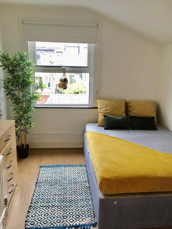 Double Room Available in Turnpike Lane  Main Photo