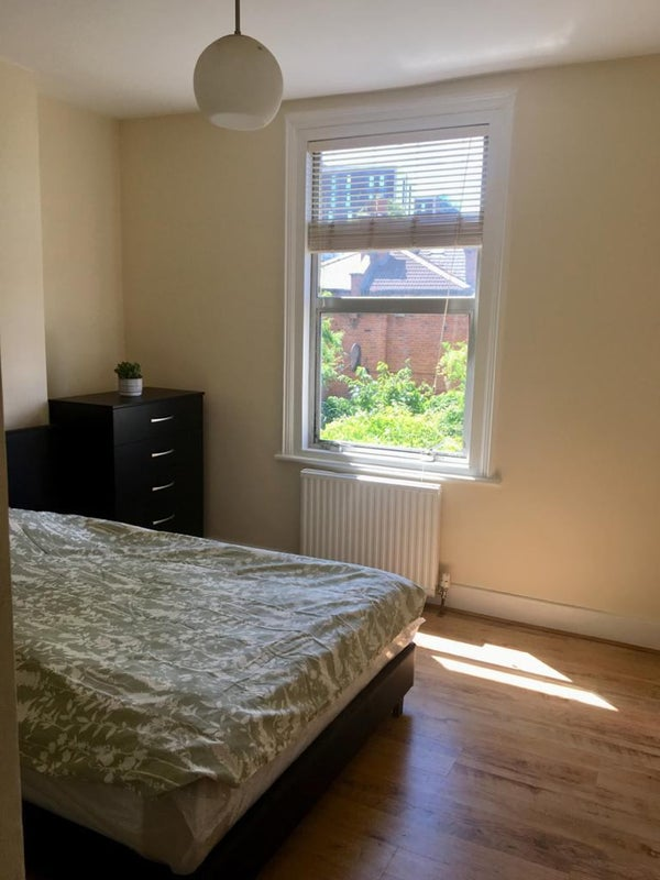 2 Double rooms in Ladbroke Grove--W10  Main Photo