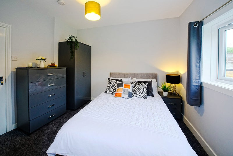 Quality room in Newtown (Wigan). Great value! Main Photo
