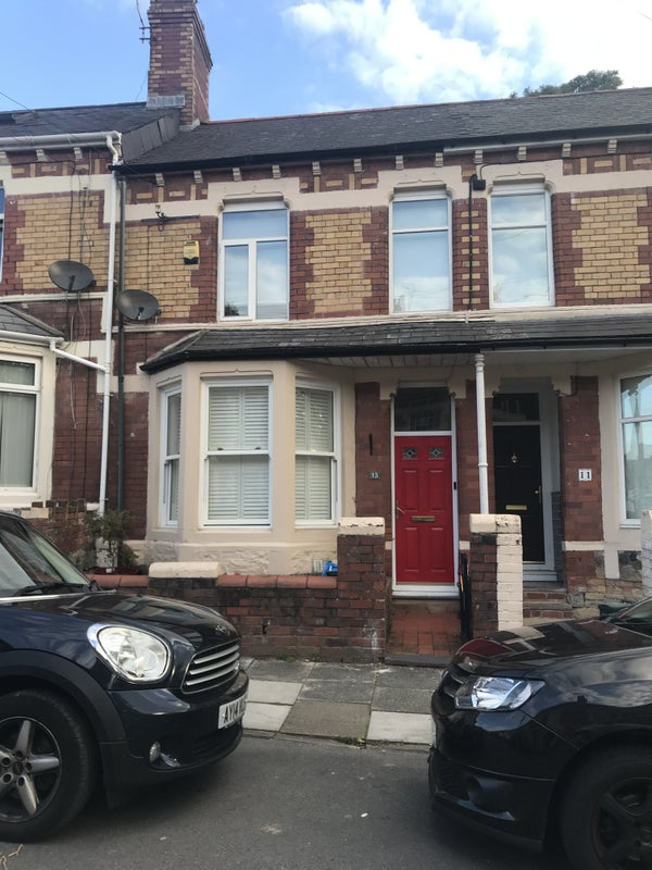 Large double bedroom in 3 bed terrace in Penarth Main Photo
