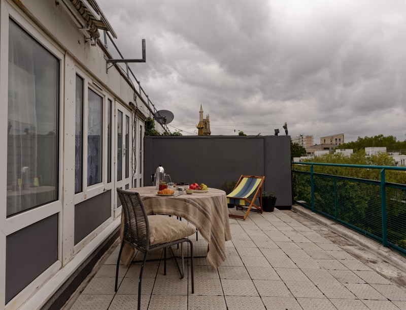 Fantastic offer- 4bed, lounge & stunning terrace Main Photo