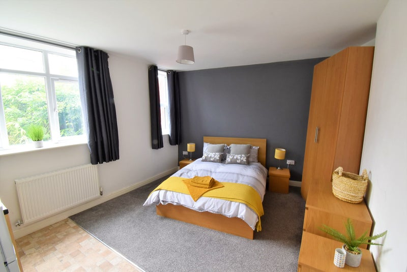 Fully Furnished Double Bedroom With En Suite Main Photo