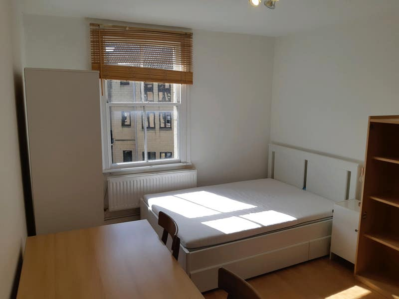 Furnished 2 Double Bedrooms Flat In Centre Main Photo
