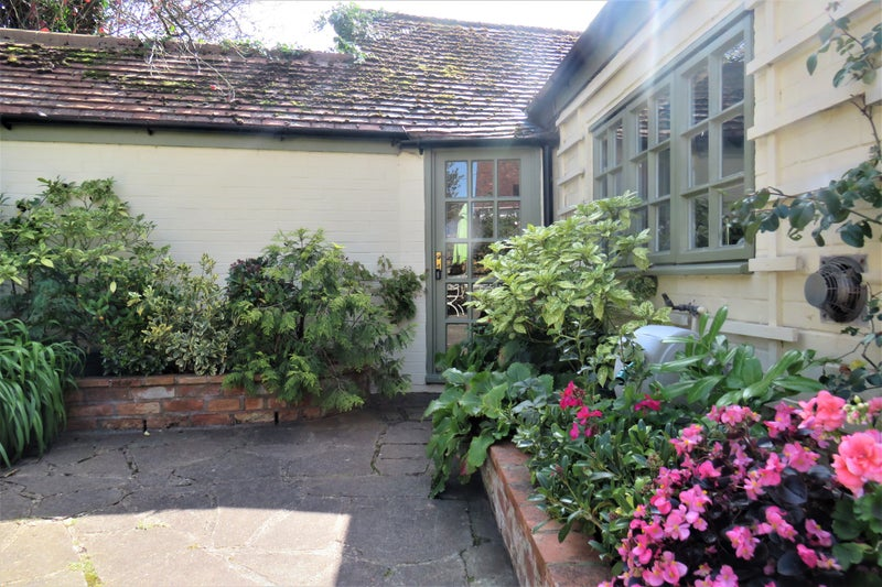 The Old Cowshed - independent annexe to cottage Main Photo