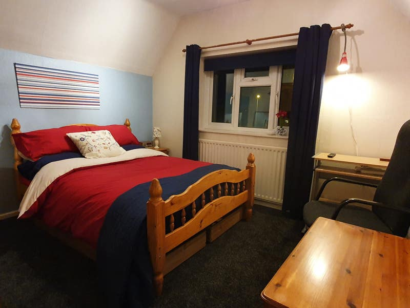 Large Double Room  Main Photo