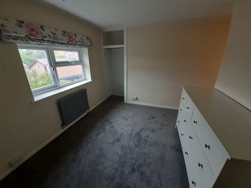 Double Room in Shared House in Quiet Part of Town Main Photo