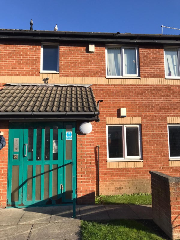Centrally located 2 bedroom flats in Hartlepool Main Photo