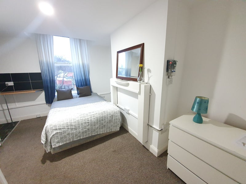 Low cost room to rent in the heart of Darlaston  Main Photo