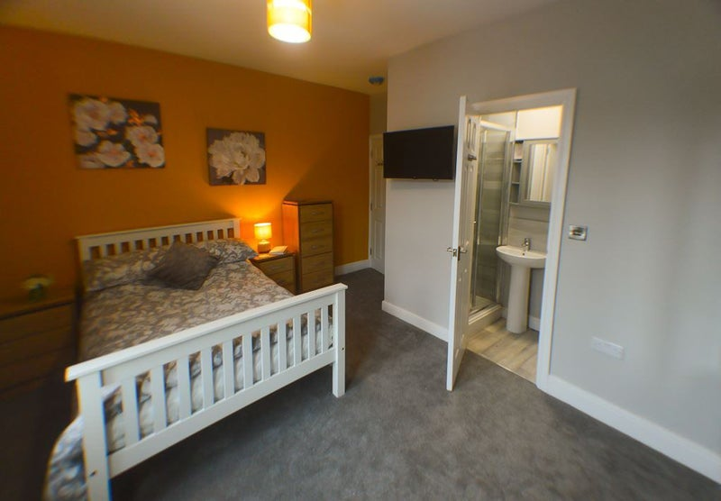 New En Suite Rooms - Ideal for Rr/Bombardier** Main Photo