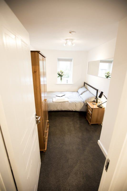 Fully Furnished Rooms to Rent- All Bills inc. Main Photo
