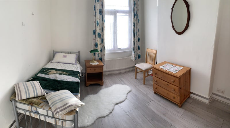 Huge Double Room Very Close to Seven Sisters! Main Photo