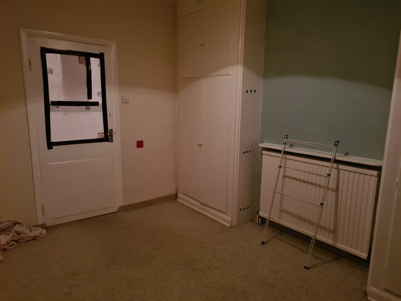 1 Bedroom in share flat Main Photo