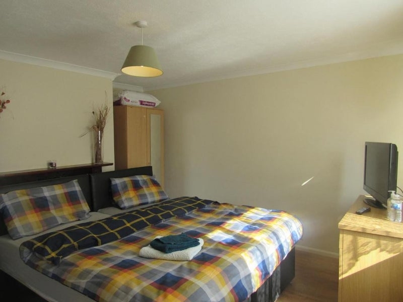 Comfy and Practical home in Bletchley Main Photo