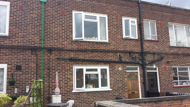 One Double Bedroom in Student Property, Av. Now. Main Photo