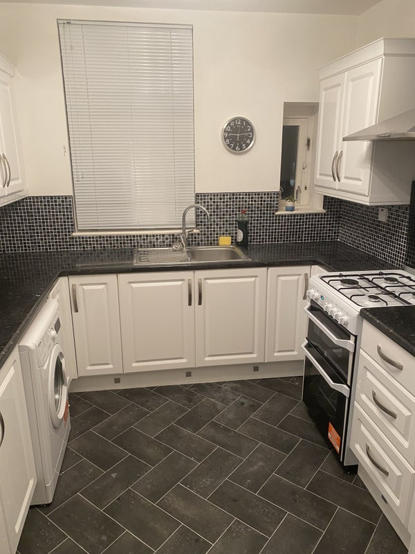 2 bedroom flat in the heart of shawlands Main Photo