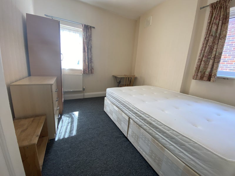 2 Nice  Single Rooms Kensal Rise Zone 2  Main Photo