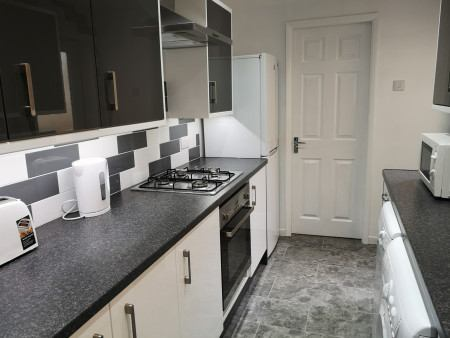 4 bed student house, Hull available August 2021 Main Photo