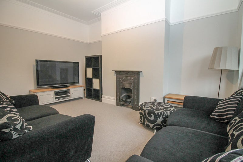 Professional House Share - Roundhay Main Photo