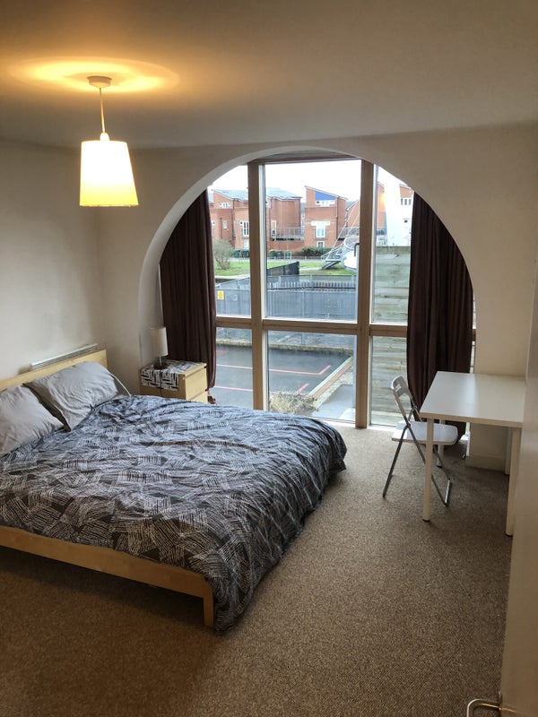 King size room-Walking distance to City Centre/un Main Photo