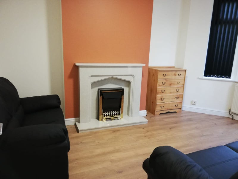 *** Brand new accomodation availablie in Earlsdon Main Photo