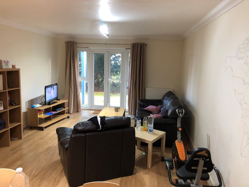 Lovely Large Double Room Between Town and Common Main Photo