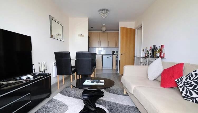 Two Bedroom Flat, Cardiff Bay Main Photo