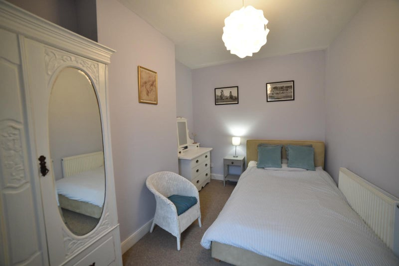 Double room in Oldfield Park Main Photo