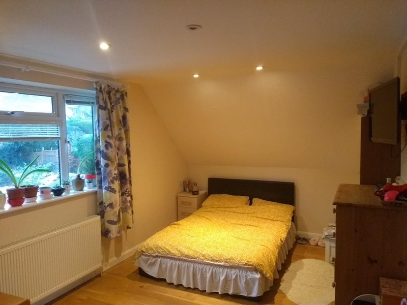 Double room in friendly Christian house Main Photo