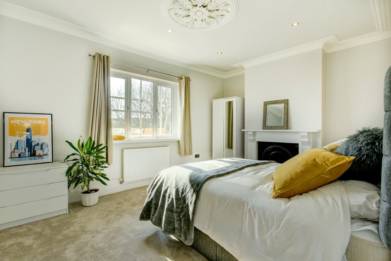Newly Refurbished Luxury Home by Keyliving Main Photo