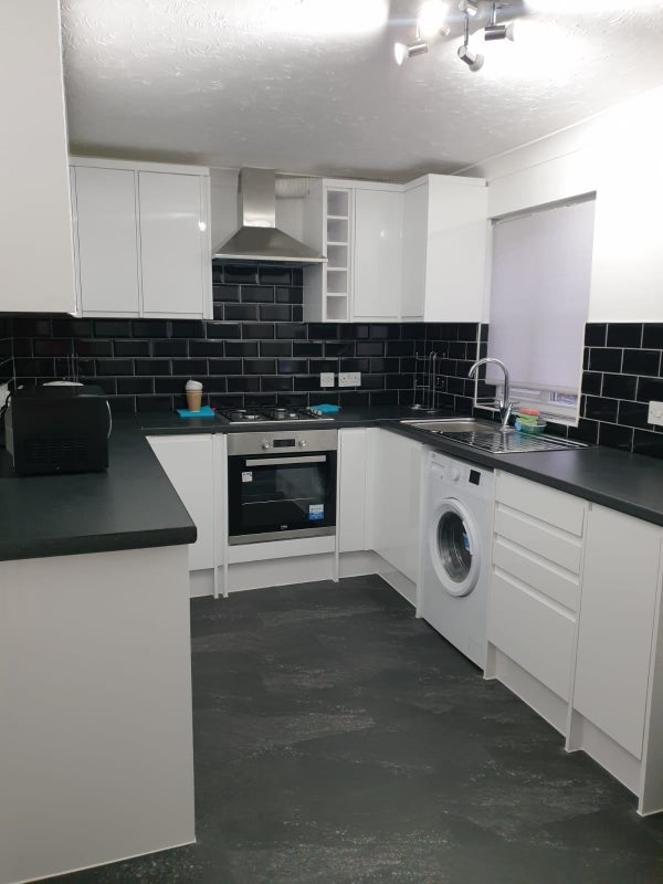 Stunning Newly refurbished 4bed shared house Main Photo