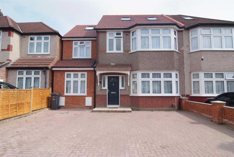 Single & Double Bedrooms in a Shared House TW7 Main Photo