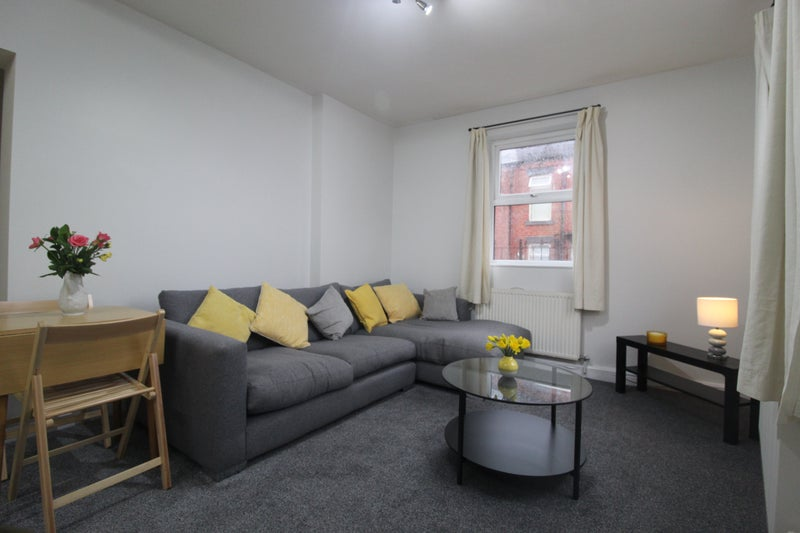 Three Double Bedroom Apartment In Horsforth Main Photo