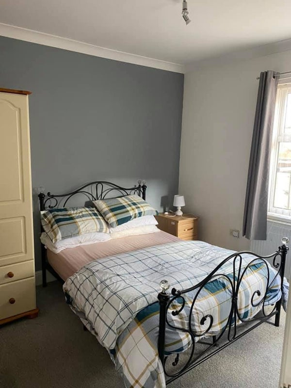 Room to rent in comfortable shared house Main Photo