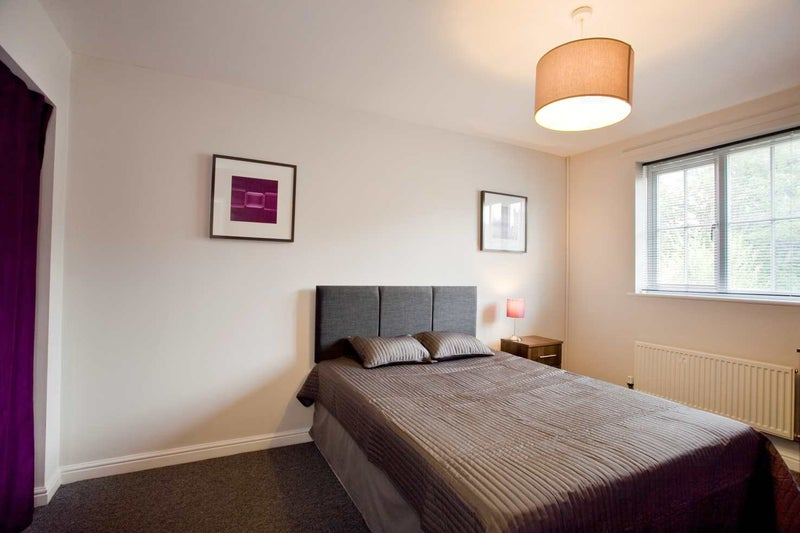 Walking distance to Chapel Allerton with garden! Main Photo