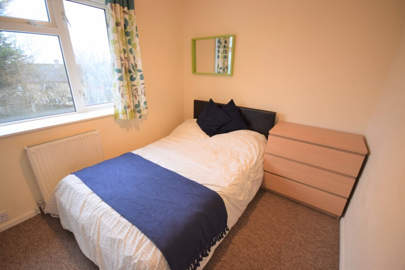 Bath Location-Double Room- Close to Hospital Main Photo