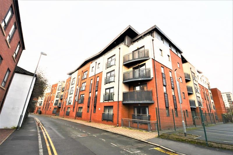 3 Bedroom Apartment available now  Main Photo