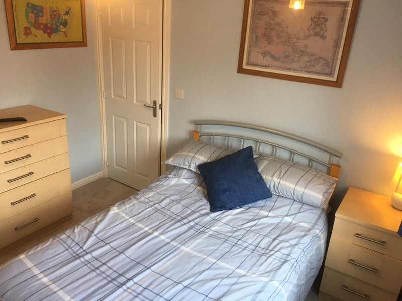 Furnished double room to rent Main Photo