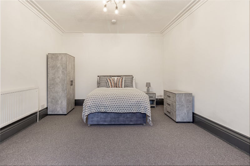 Large Rooms - Refurbished 10 Bed - St John's   Main Photo
