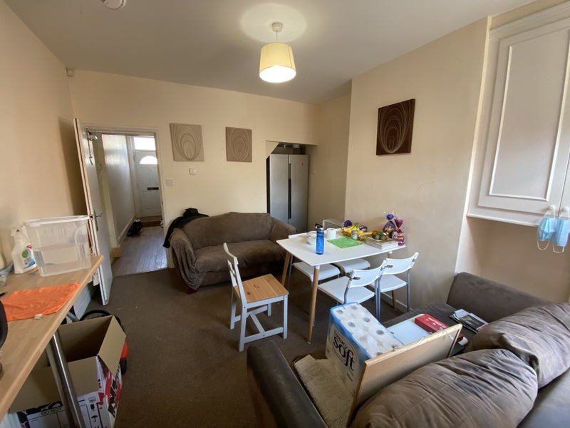 5 Bed student house 5 min walk to University Main Photo