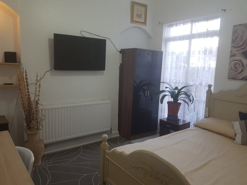 Large Double Bedroom in Walthamstow! (Bills inc) Main Photo