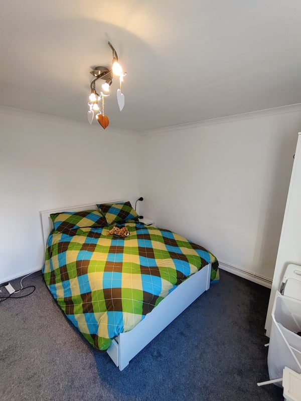 Spacious newly refurbished flat in Crouch End Main Photo