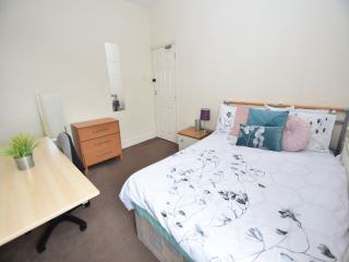Room available on Cathays Terrace Main Photo
