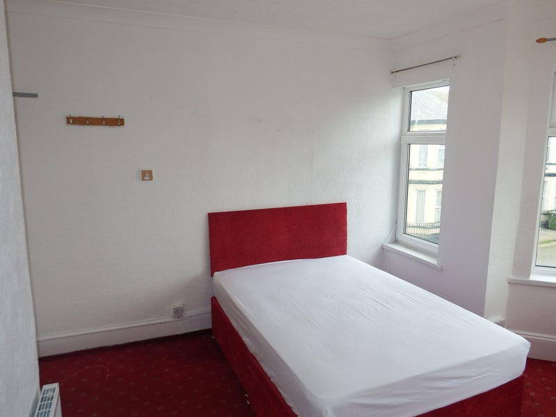 Double room to rent in Nelson Road Central Great Y Main Photo